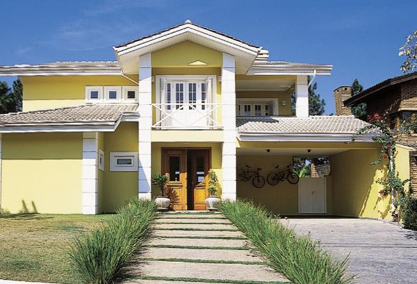Fachadas de casas com cores fortes veja fotos for Pintura para fachadas de casas