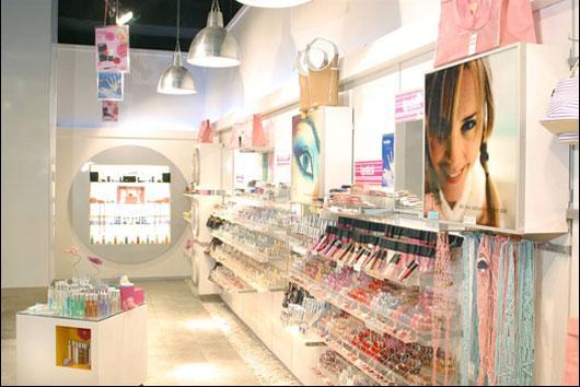 DECORA u00c7ÃO DE LOJAS DE COSMÉTICOS -> Decoração De Loja Pequena De Cosmeticos