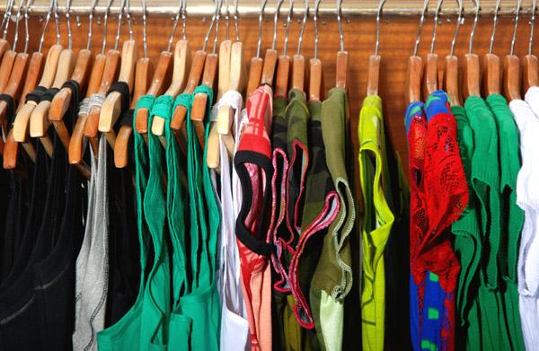Como vender roupa na internet e abrir um negócio - sob medida
