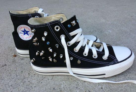 A customização de All Star com spikes é muito simples e deixa seu tênis único e exclusivo (Foto: Divulgação)