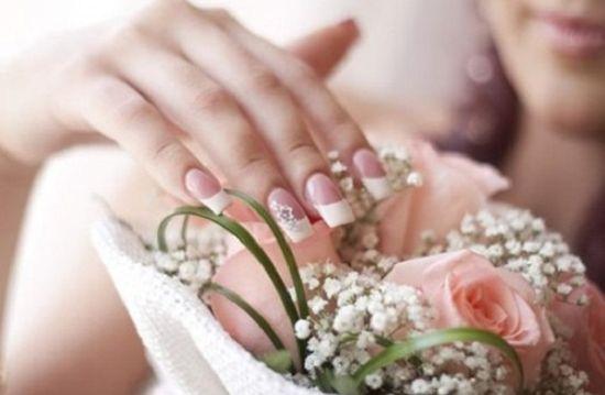 Invista na decoração de unhas para noivas 2013 que mais tenha em comum com seu estilo pessoal (Foto: Divulgação)
