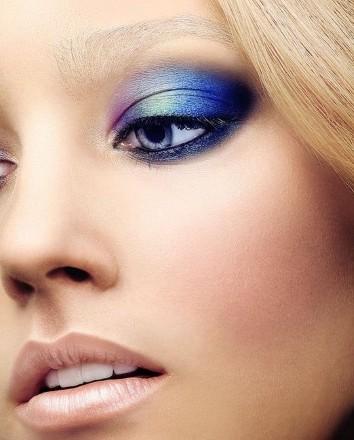 Maquiagem azul para olhos (Foto:Divulgação).