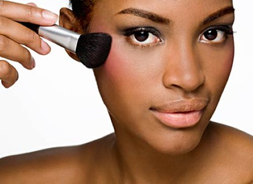 Dicas de blush para pele negra (Foto:Divulgação).