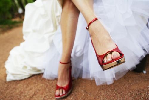Modelo de sapato ousado para casamento  (Foto:Divulgação).