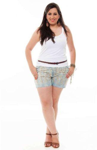 Os modelos de short jeans plus size verão 2013 estão ainda mais femininos e encantadores (Foto: Divulgação)