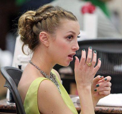 O penteado ideal para cada ocasião é essencial para que sua produção fique harmônica (Foto: Divulgação)