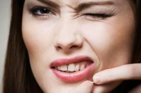 Tratamentos para acabar com cicatrizes da acne. (Foto: Diculgação).