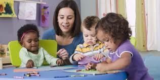 Saiba como agir no primeiro dia de aulas das crianças. (Foto: Divulgação).
