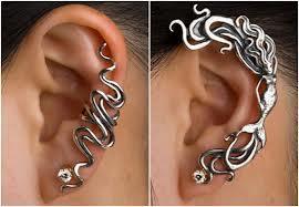 Ear Cuff: brinco e pingente ao mesmo tempo. (Foto: Divulgação).