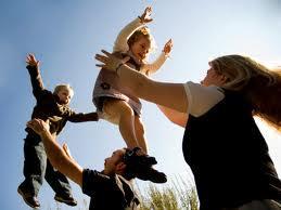 Brinque com seus filhos e  perca calorias. (Foto: Divulgação).