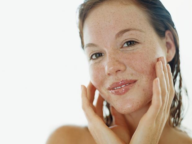 A pele com sardas exige cuidados especiais. (Foto: Divulgação).