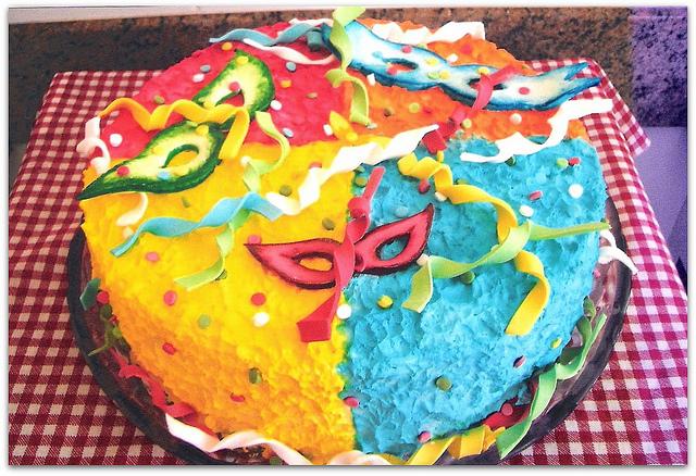 Bolo de carnaval decorado - bolo 3