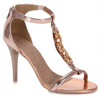 As sandálias para formatura devem ser sofisticadas, pois a ocasião exige (Foto: Divulgação)