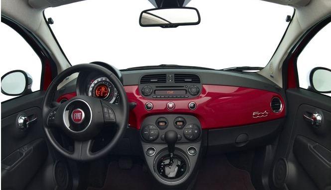 Interior Fiat 500 (Foto: iCarros/divulgação)