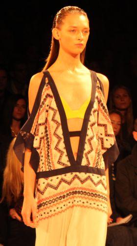 O tribal print moda verão 2014 deixará os looks ainda mais interessantes (Foto: Divulgação)