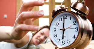 Dicas para acordar cedo com mais facilidade. (Foto: Divulgação).