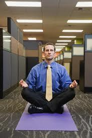 Exercícios para fazer no trabalho. (Foto: Divulgação).