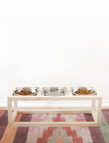 Esta ideia barata para fazer um comedouro para cães e gatos é também muito fofa (Foto: almostmakesperfect.com)