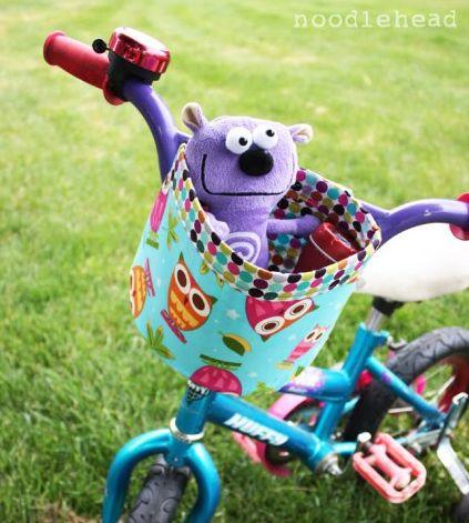 Cestinha de tecido para bicicleta é linda e você pode ganhar um dinheiro extra comercializando-a (Foto: noodle-head.com)