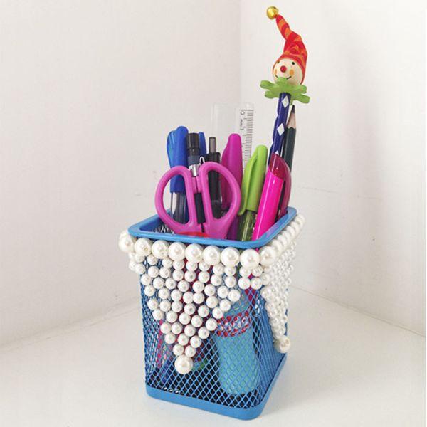 Customizar um porta-lápis de mesa pode também ser um lúdico passatempo (Foto: stephania.com.br)