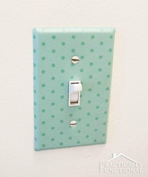 Comece já a decorar interruptor de luz com papel (Foto: practicallyfunctional.com)