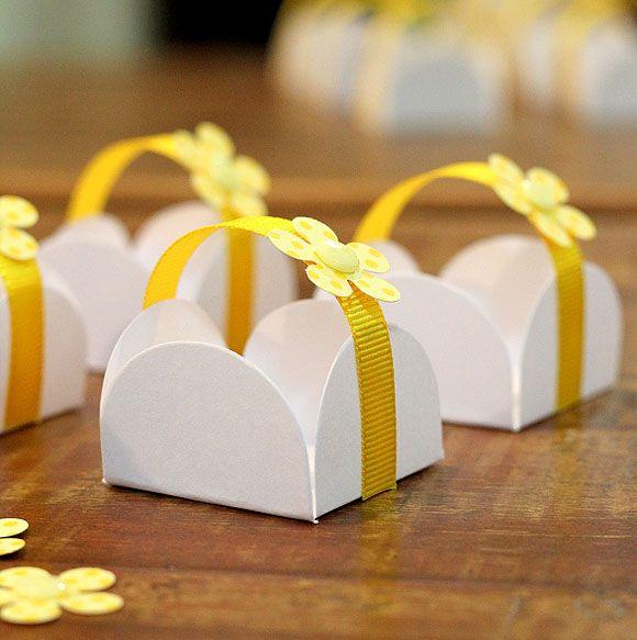 Há inúmeras ideias para decorar embalagens de doces para festa, aproveite (Foto: silviaoliveira.com.br)