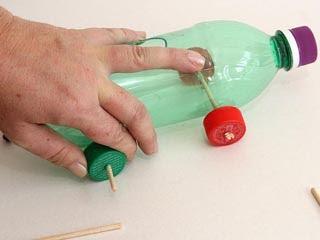 ideia de carrinho com garrafa pet