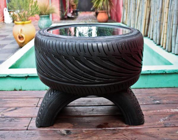 mesa de pneu com espelho