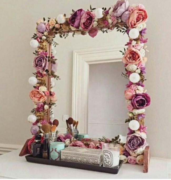 moldura de espelho com flores