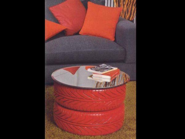 mesa com 2 pneus