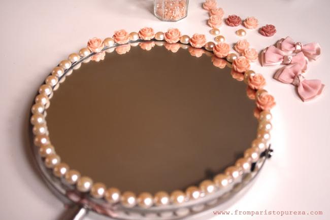 moldura de espelho com pérolas