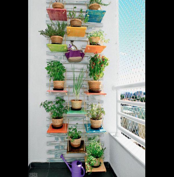 jardim vertical com vasinhos