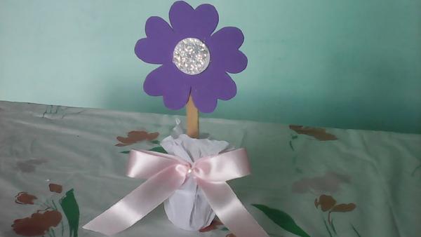 flor em EVA no vaso