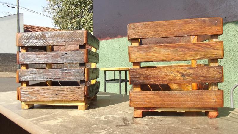 Artesanato com madeira de demolição enfeites