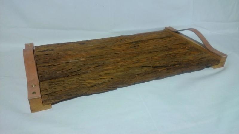 Artesanato com madeira de demolição com alça