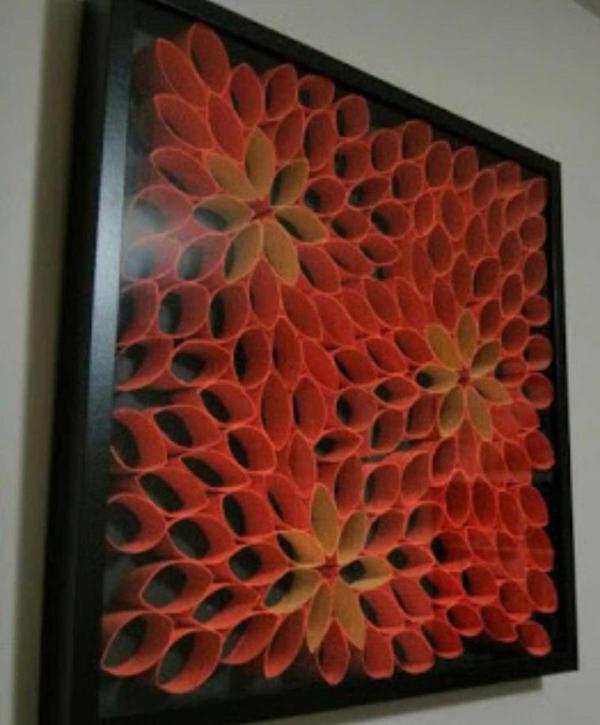 quadro com com rolo de papel higiênico laranja