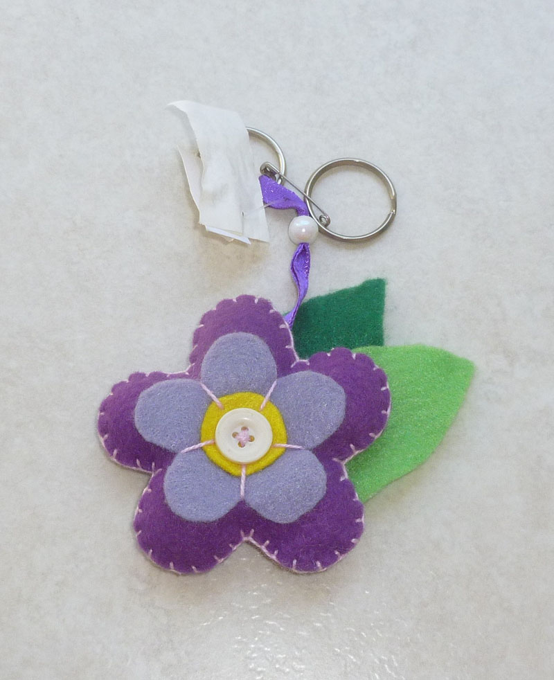 chaveiro de feltro flor