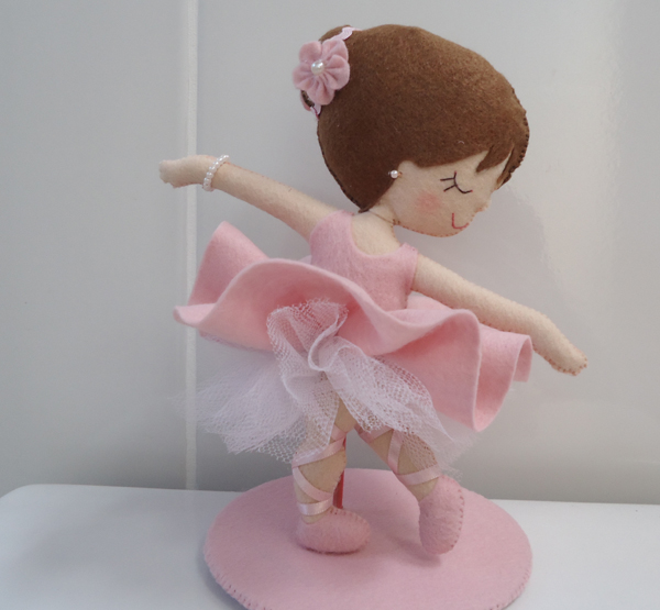bailarina de feltro grande