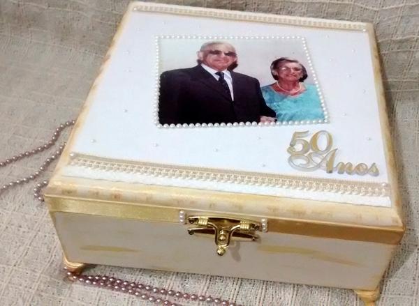 caixa decorada de mdf comemoração