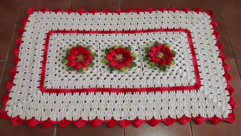 flor de crochê vermelha
