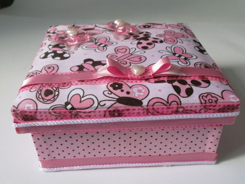 caixa decorada com cordao