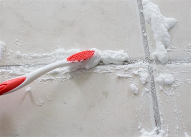 como limpar rejunte de banheiro com bicarbonato e vinagre