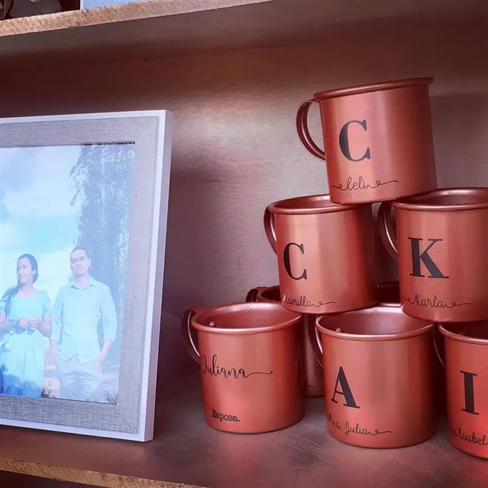 lembrancinhas de casamento para padrinhos canecas