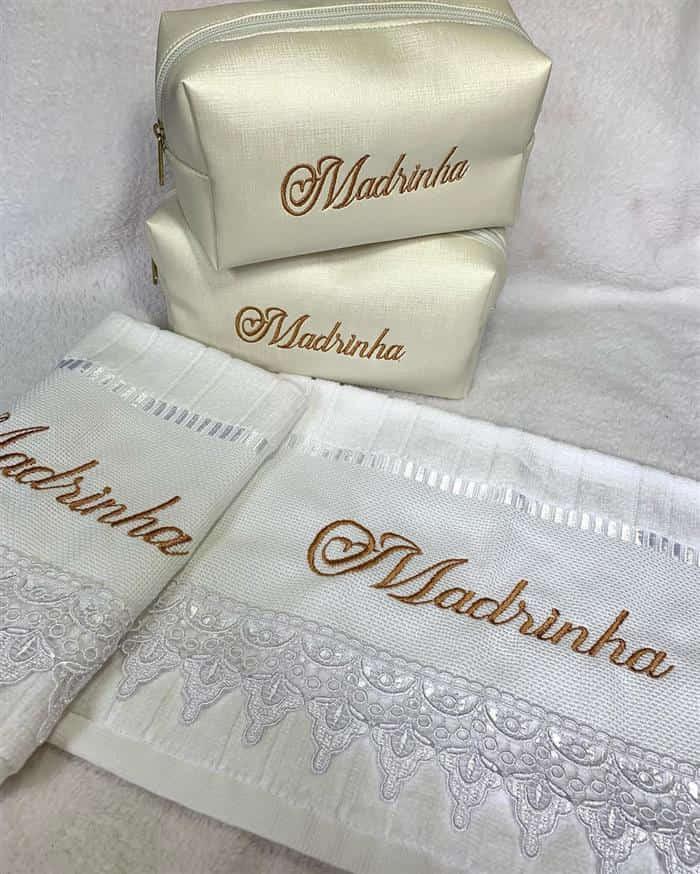 lembrancinhas de casamento para padrinhos toalhas